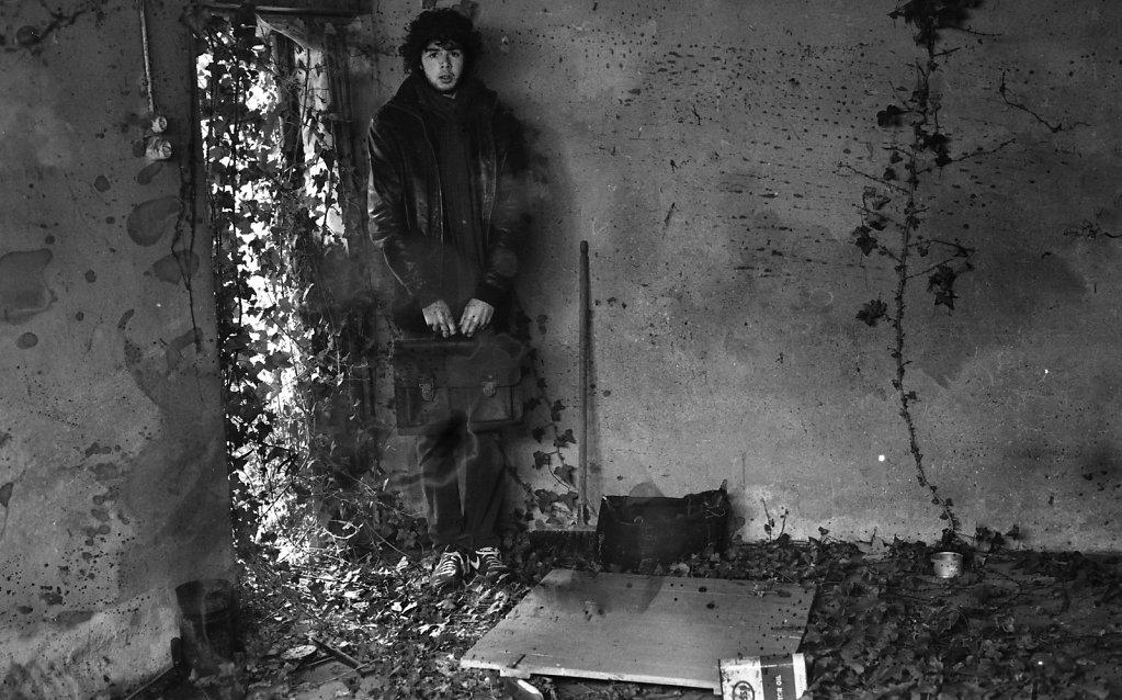 © Charles Roux - Childhood's edge